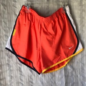 Nike Dri Fit girls running shorts Sz L New!
